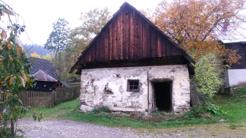 Jedna z osad za Ochodnicou, asi Škorovci.