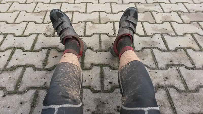 No a moje nohy? Ty už dávno netuší, co je to čisto a sucho.