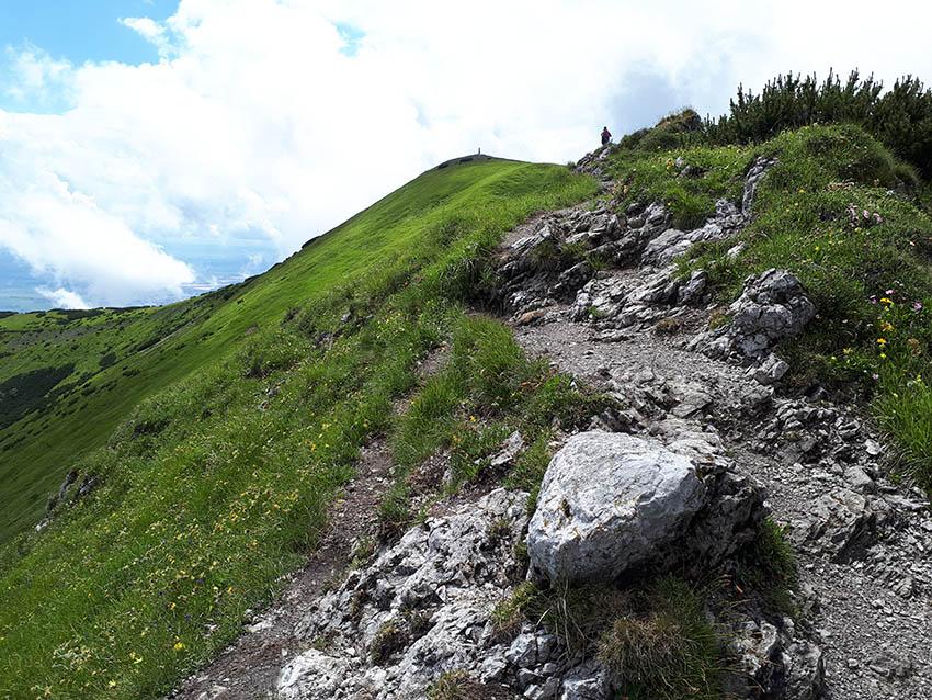 Hřeben Malého Kriváně (vrchol uprostřed nahoře).